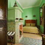 moroccan-theme-in-bedroom2-2.jpg