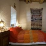 moroccan-theme-in-bedroom4-4.jpg