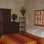 moroccan-theme-in-bedroom4-6.jpg