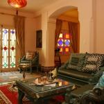 morocco-style-authentic-livingroom4-6.jpg