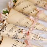 music-sheet-craft-decorating-table-setting2.jpg