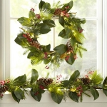 new-year-decorations-from-pine-branches-wreath2.jpg