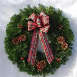 new-year-decorations-from-pine-branches-wreath4.jpg
