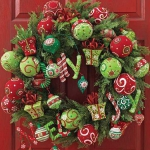 new-year-decorations-from-pine-branches-wreath6.jpg