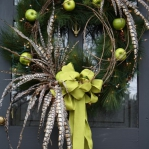 new-year-decorations-from-pine-branches-wreath7.jpg