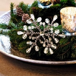 new-year-decorations-from-pine-branches-centerpiece4.jpg