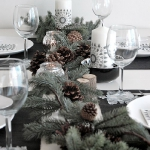 new-year-decorations-from-pine-branches-centerpiece6.jpg