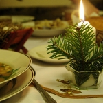 new-year-decorations-from-pine-branches-candles3.jpg