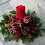 new-year-decorations-from-pine-branches-candles4.jpg