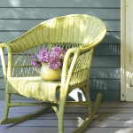 painting-on-wicker-patio-furniture-chair6.jpg