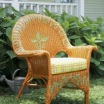 painting-on-wicker-patio-furniture-chair8.jpg