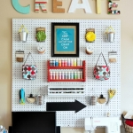 pegboard-in-homeoffice-and-craftrooms-ideas4