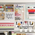 pegboard-in-homeoffice-and-craftrooms-ideas7