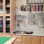 pegboard-in-homeoffice-and-craftrooms4-7