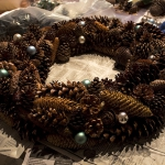 pinecones-new-year-decor-ideas3-12.jpg