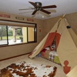play-tents-in-kidsroom4-6.jpg