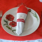 poppy-decorated-table-setting2-5.jpg