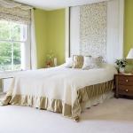 quick-accent-in-bedroom-wall-near-headboard2.jpg
