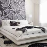 quick-accent-in-bedroom-wall-near-headboard5.jpg