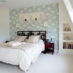 quick-accent-in-bedroom-wall-near-headboard13.jpg