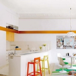 rainbow-accents-in-spanish-apartments2-6.jpg