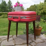 recycled-suitcase-ideas-table2.jpg