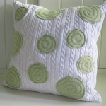 recycled-sweater-pillows-decorating3-1.jpg