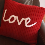 recycled-sweater-pillows-decorating3-2.jpg