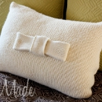 recycled-sweater-pillows-decorating5-1.jpg