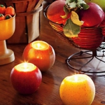 red-yellow-apples-and-candles3.jpg