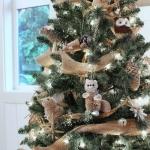ribbon-on-christmas-tree-ideas14