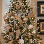 ribbon-on-christmas-tree-ideas18