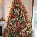ribbon-on-christmas-tree-ideas21