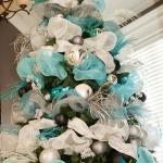 ribbon-on-christmas-tree-ideas22