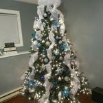 ribbon-on-christmas-tree-ideas24