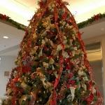 ribbon-on-christmas-tree-ideas32
