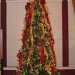 ribbon-on-christmas-tree-ideas34