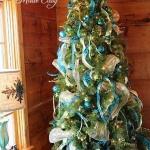 ribbon-on-christmas-tree-ideas35