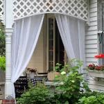 romantic-porch-show-tour-afternoon10.jpg