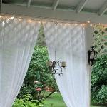 romantic-porch-show-tour-afternoon11.jpg