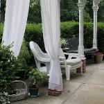 romantic-porch-show-tour-afternoon18.jpg