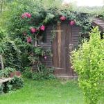 roses-in-garden-entrance3.jpg
