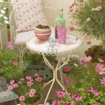 shabby-chic-in-terrace-design-flowers1