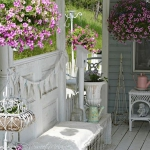 shabby-chic-in-terrace-design-flowers4