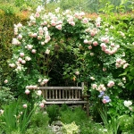 shabby-chic-in-terrace-design-flowers8
