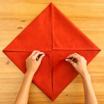 shaped-napkins-step-by-step2-1.jpg