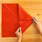 shaped-napkins-step-by-step2-2.jpg