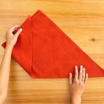 shaped-napkins-step-by-step3-1.jpg