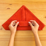 shaped-napkins-step-by-step3-3.jpg
