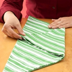 shaped-napkins-step-by-step5-1.jpg